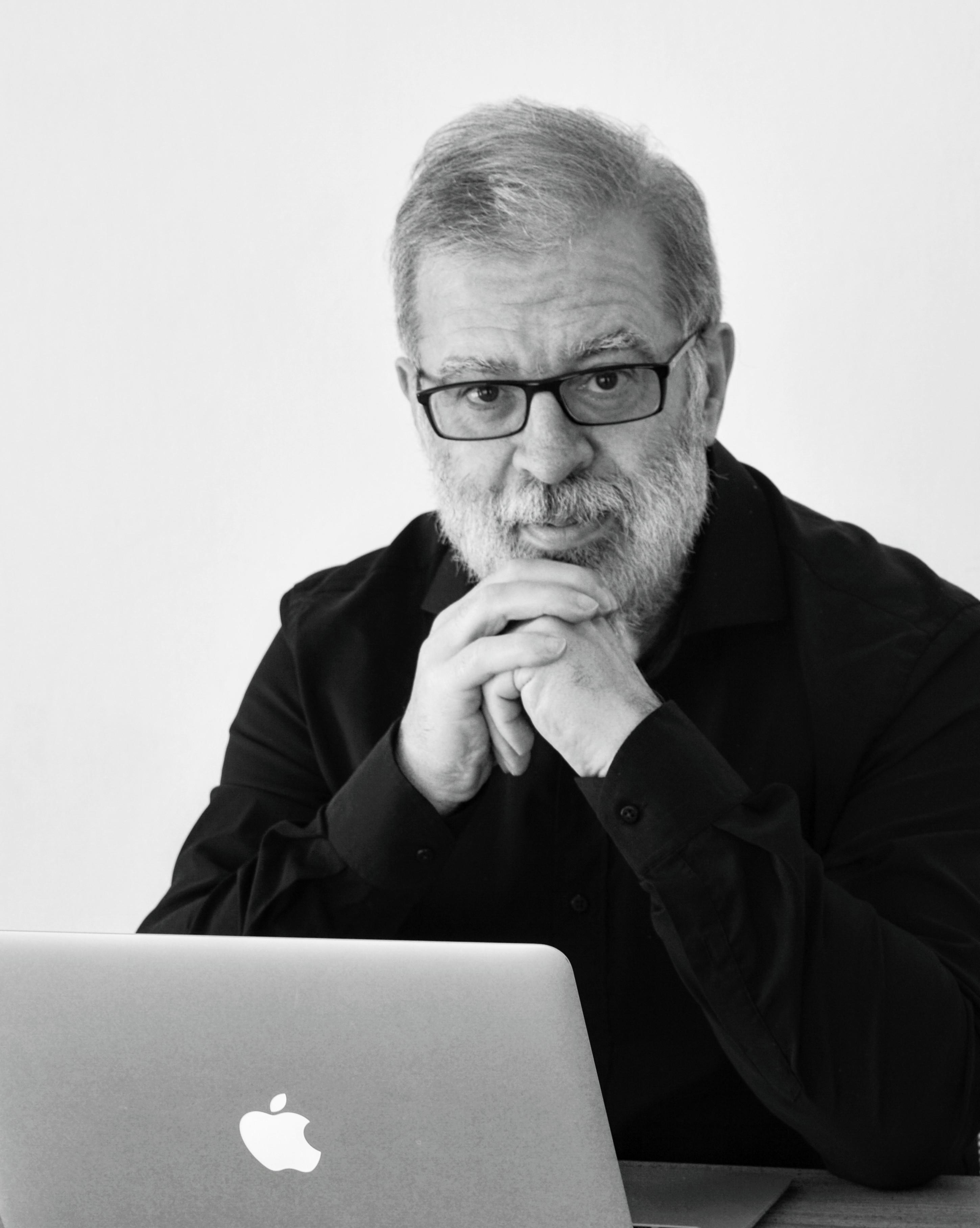 Daniel Eskibel consultor politico