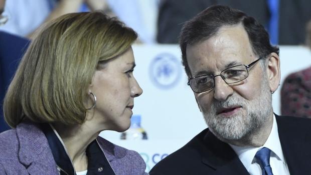 Cospedal dando parabienes a Rajoy