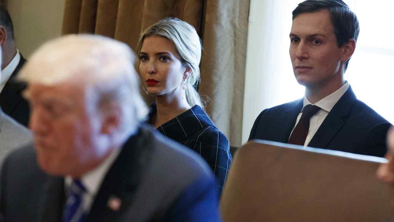 Trump con sus particulares y familiares bufones