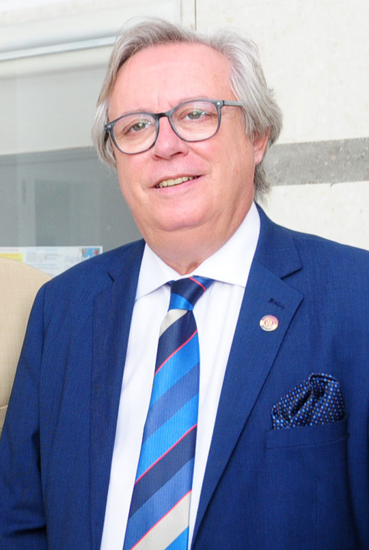 José Fernandez Alvarez Tamargo; Gobernador Distrito 2201