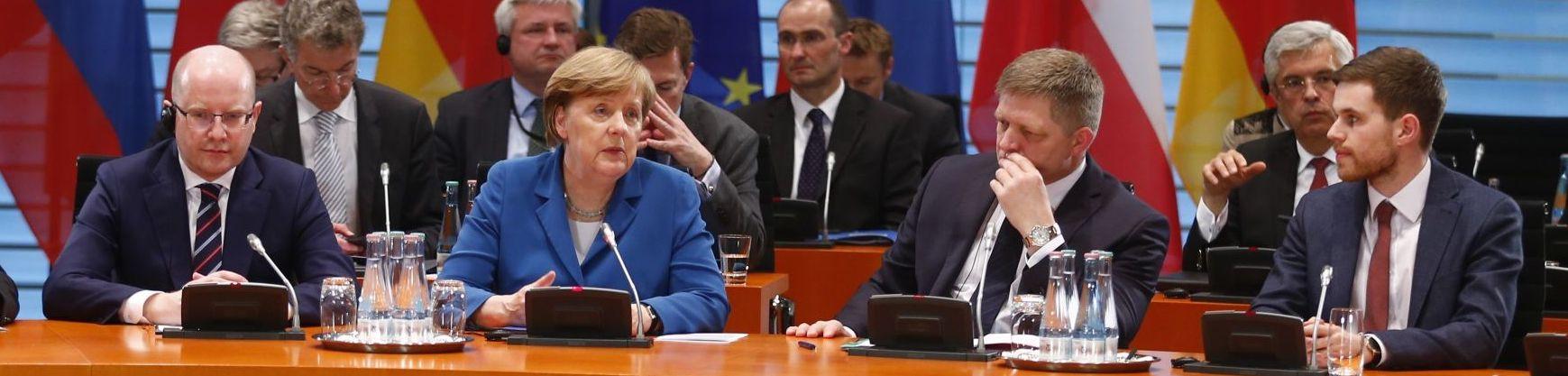 Merkel mujeres en la politica