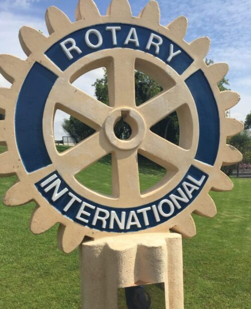Rueda de Rotary en espacio publico