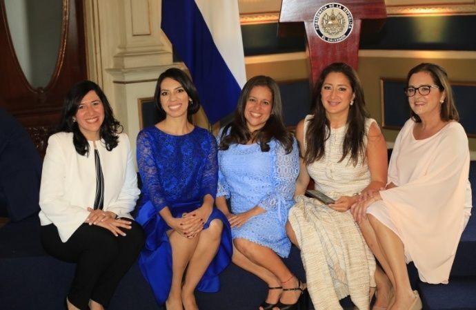 Gobierno y mujeres en El Salvador de Nayib Bukele por Ines Martínez