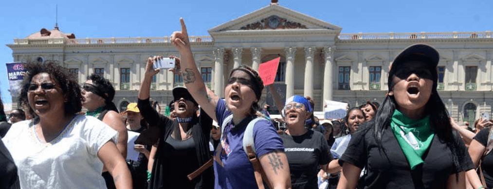 Mujeres en San Salvador el #8M de 2020 - Visioncoach