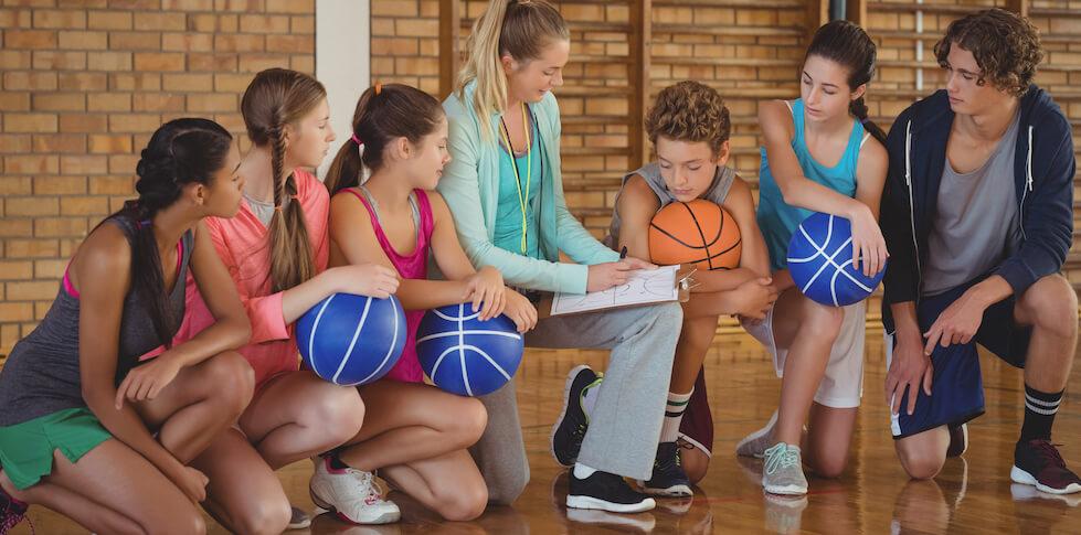 El deporte para construir valores de equipo;