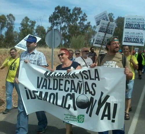 Manifestación contra el complejo turístico de Valdecañas